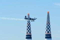 Pete Mcleod von Kanada führt während Red Bull-Wettfliegen durch Lizenzfreie Stockfotos