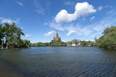 Peter και καθεδρικός ναός του Paul σε Peterhof, Ρωσία Στοκ φωτογραφία με δικαίωμα ελεύθερης χρήσης