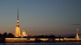 Peter και νύχτα Αγία Πετρούπολη φρουρίων του Paul απόθεμα βίντεο