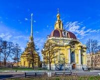 Peter e Paul Cathedral e volta di sepoltura granducale Fotografie Stock Libere da Diritti