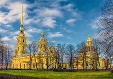 Peter e Paul Cathedral sul territorio di Peter e di Paul Fortress Fotografia Stock Libera da Diritti
