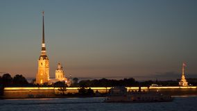 Peter e Paul Fortress alla notte St Petersburg stock footage