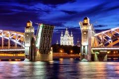 Peter el gran puente, St Petersburg, Rusia fotos de archivo