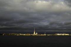 Peter et la forteresse de Paul dans la rue - Pétersbourg Photographie stock libre de droits