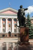 Peter Great monument och personal av baltisk flotta Arkivbilder