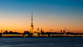 Peter i Paul forteca w Petersburg w zmierzchu Obrazy Stock