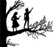 Peter i Wendy sylwetka chłopiec i gil na dużym drzewie, drzewo dzieciństwo, dzieciństwo pamięć, ilustracja wektor