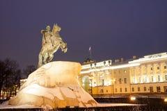 Peter il grande monumento nell'inverno, il cavallerizzo bronzeo, St Petersburg Immagini Stock Libere da Diritti