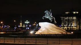 Peter la gran estatua en invierno, St Petersburg almacen de metraje de vídeo