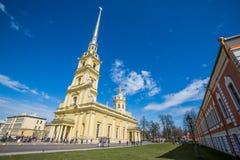 Peter och Paul Cathedral, för århundradeRomanov för th 18 plats för jordfästning dynasti - St Petersburg, Ryssland fotografering för bildbyråer