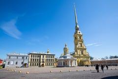 Peter och Paul Cathedral, för århundradeRomanov för th 18 plats för jordfästning dynasti - St Petersburg, Ryssland arkivbild