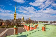 Peter och Paul Cathedral, för århundradeRomanov för th 18 plats för jordfästning dynasti - St Petersburg, Ryssland royaltyfri bild
