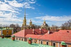 Peter och Paul Cathedral, för århundradeRomanov för th 18 plats för jordfästning dynasti - St Petersburg, Ryssland royaltyfria bilder