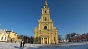 Peter och Paul fästning i vinter, St Petersburg, Ryssland lager videofilmer