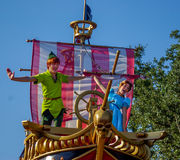 Peter Pan i Wendy w paradzie przy Magicznym królestwem, Walt Disney świat zdjęcia stock