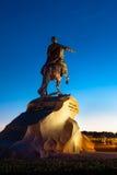Peter Pierwszy na końskim pobliskim rzecznym Neva w Petersburg Zdjęcie Stock