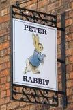 Peter Rabbit Sign a Stratford-Sopra-Avon nel Regno Unito Fotografia Stock