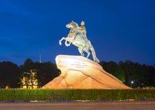 Peter Wielki zabytek na senata kwadracie przy nocą, St Petersburg, Rosja zdjęcie royalty free