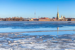 Peter y Paul Fortress en St Petersburg, Rusia Foto de archivo