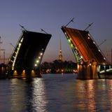 Peter y Paul Fortress y puente de la acción abierta Imagen de archivo