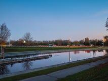Peterborough dźwignięcie Blokuje Trentu Severn drogę wodną Przy półmrokiem zdjęcie royalty free