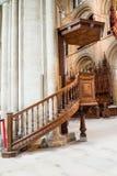 Peterborough-Kathedralen-Kanzel lizenzfreie stockbilder
