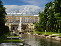 peterhof俄国 伟大的小瀑布的图, 11 06 2017年 免版税库存照片