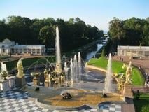 Peterhof公园  俄国 彼得斯堡圣徒 免版税库存照片