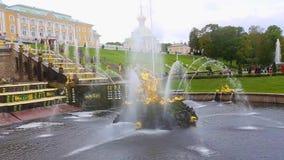 Peterhof和喷泉的王宫 股票录像