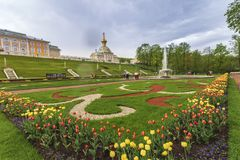 Peterhof宫殿圣彼得堡俄罗斯 免版税库存图片