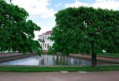 Peterhof宫殿 Marli宫殿 免版税库存照片