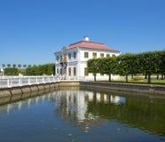 Peterhof,宫殿Marli 免版税库存照片