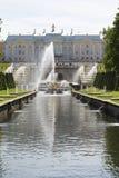 Peterhof, Rusland, 4 Juni, 2018 - mening van het overzeese kanaal royalty-vrije stock afbeeldingen