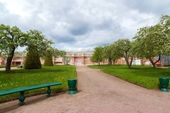 Peterhof, Rusland - Juni 03 2017 Tuin van Venus en Aardemuur in museumreserve Royalty-vrije Stock Afbeeldingen
