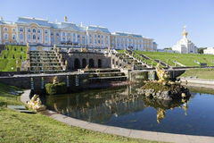 PETERHOF, RUSSIA -  AUGUST 22, 2015: Photo of View of the fountain  Stock Images