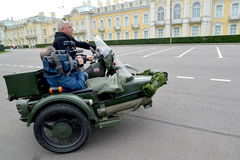 PETERHOF, RUSSIA. The driver and the video opera Stock Photo