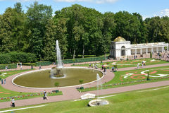 PETERHOF, RUSSIA.  A view of the Bowl fountain in orchestra seats of Nizhny of park Stock Photos