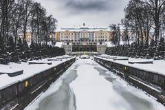 Peterhof-Sommer-Palast, St Petersburg lizenzfreies stockbild