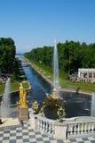 Petersburg Rosja, Czerwiec, - 03, 2016: lato Peterhof fotografia royalty free