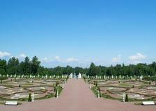 Petersburg Rosja, Czerwiec, - 03, 2016: Oranienbaum pałac park zdjęcia royalty free