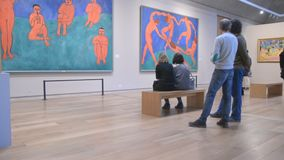 Petersburg Rosja Ludzie w sala Henri Matisse zdjęcie wideo