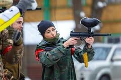 Petersburg Rosja, Luty, - 21, 2016: Dużego rocznego paintball scenariuszowy gemowy 'dzień M' w Snaker klubie Obrazy Royalty Free