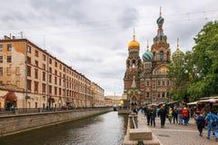 Petersburgo, Rússia - 30 de junho de 2017: A igreja do salvador no sangue Imagens de Stock