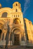 Petersburgo, Rusia - 29 de junio de 2017: LA CATEDRAL DEL MAR DE NIKOLSKY EN KRONSHTADT ES LA IGLESIA PRINCIPAL DE LA FLOTA MILIT Imagen de archivo libre de regalías