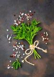Peterselie, zout en peper Culinaire achtergrond Stock Afbeeldingen