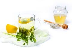 Peterseliethee met citroen en honing royalty-vrije stock foto