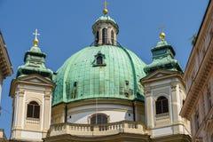 Peterskirche (helgon Peter Church) i Wien arkivbilder