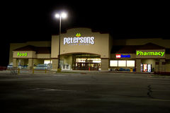 Petersons Super Market building @ Night Royalty Free Stock Images