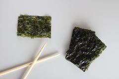 Petisco friável profundo de Fried Green Seaweed Thin Chips do nori imagens de stock
