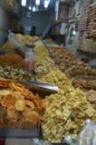 Petiscos e especiarias indianos para a venda Imagem de Stock